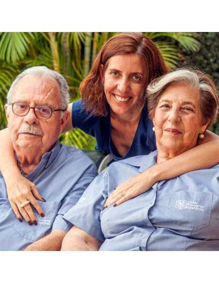 Pani Filomena Estefânia de Mattos Couto (z prawej), z mężem oraz córką